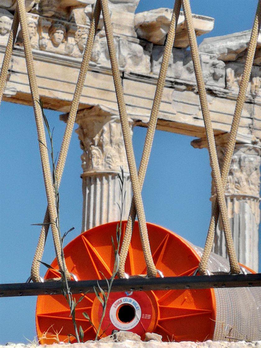 Apollon Tapınağı ve çevresi halatlarımızla artık daha güvenli6